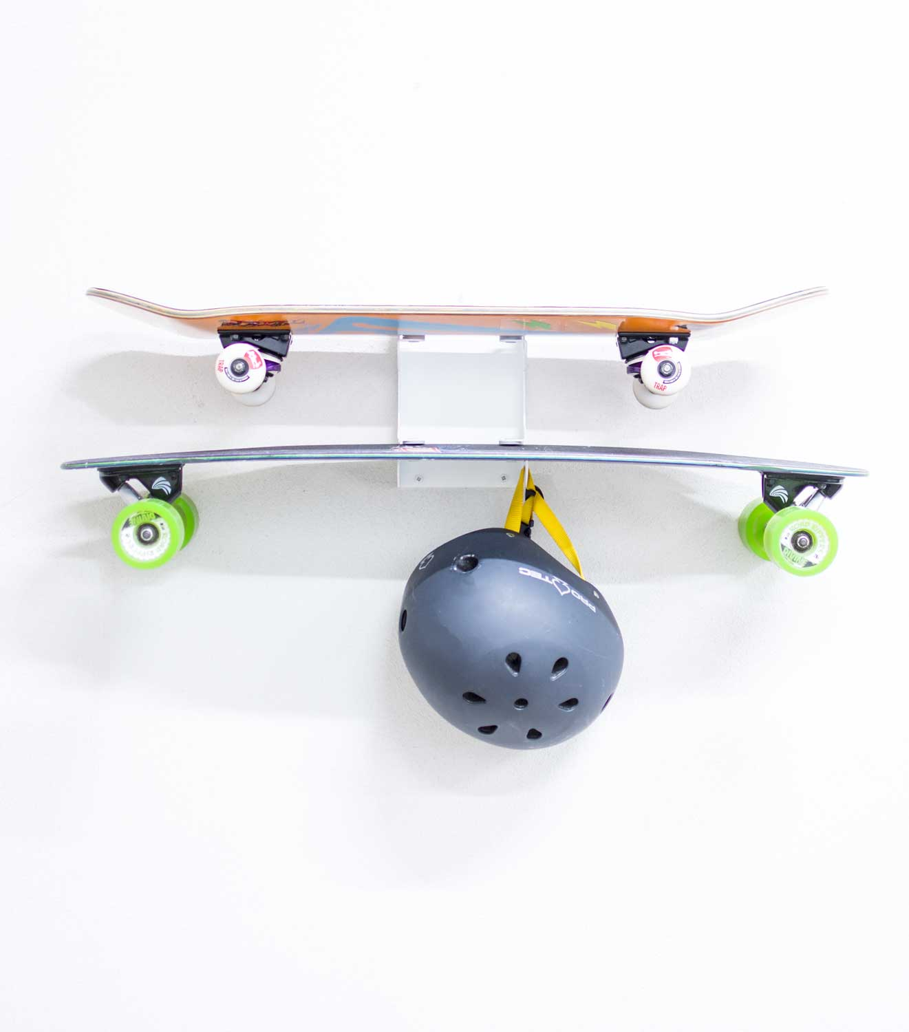 longboard wandhalterung f r zwei longboards. Black Bedroom Furniture Sets. Home Design Ideas